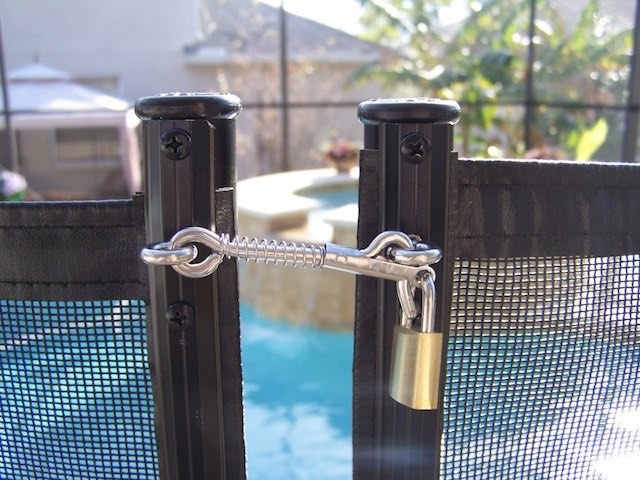 Baby Barrier Safety Pool Fence